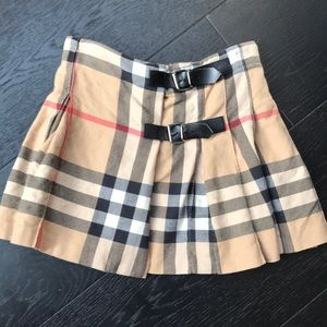 Girls Burberry Skirt. Size 4. Great condition!